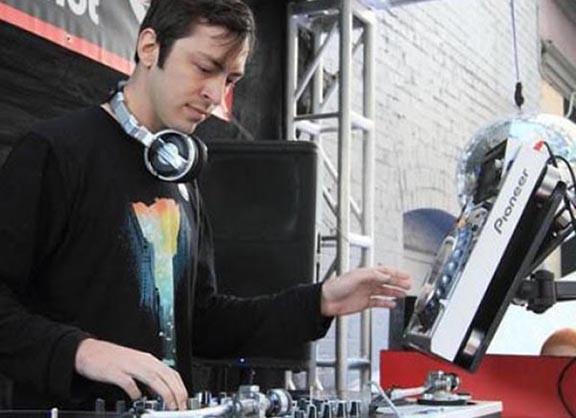 DJ Aeroku được đông đảo khán giả trên thế giới yêu thích