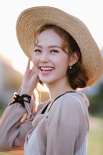 Ca sĩ - diễn viên Minh Hằng cũng tham gia giao lưu trong chương trình