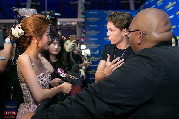 """Vblogger An Nguy có mặt tại buổi quảng bá phim của """"Người Nhện"""""""