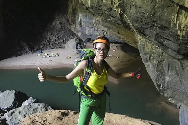 Khám phá hang Sơn Đoòng là một trải nghiệm thú vị của người mẫu Trang Trần