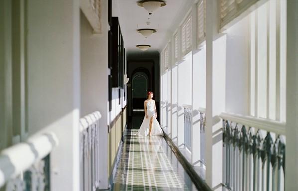"""Uyên Linh mong manh và đầy cảm xúc trong MV """"Khoảng trống"""""""