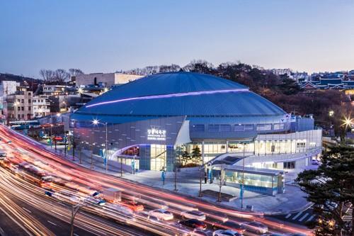 """Mỹ Tâm tổ chức concert riêng tại sân vận động """"khủng"""" giữa Hàn Quốc"""