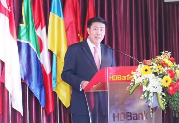 Tiến sỹ Lê Thành Trung – Phó Tổng giám đốc HDBank chia sẻ tại họp báo. Ảnh: BTC