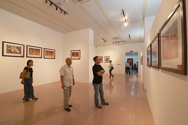 89 bức ảnh với nhiều cảm xúc được giới thiệu tại triển lãm.