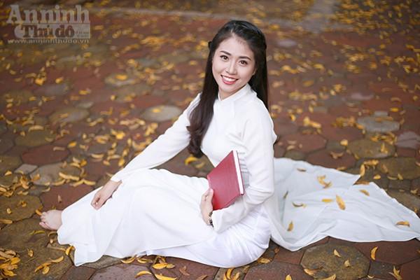 Nữ sinh Đại học PCCC đẹp dịu dàng trong tà áo dài truyền thống ảnh 8
