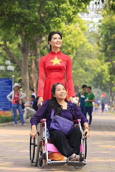 Tuy học tập và làm việc tại Hà Nội nhưng Lưu Thị Hòa còn là thành viên Ban tập hợp đoàn kết thanh niên tỉnh Hà Giang.