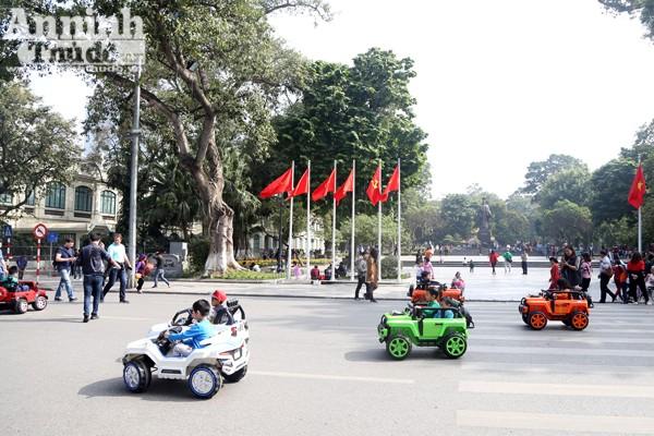 Những chiếc xe này tuy không thể đạt được tốc độ như xe điện cân bằng nhưng kích cỡ không hề nhỏ.