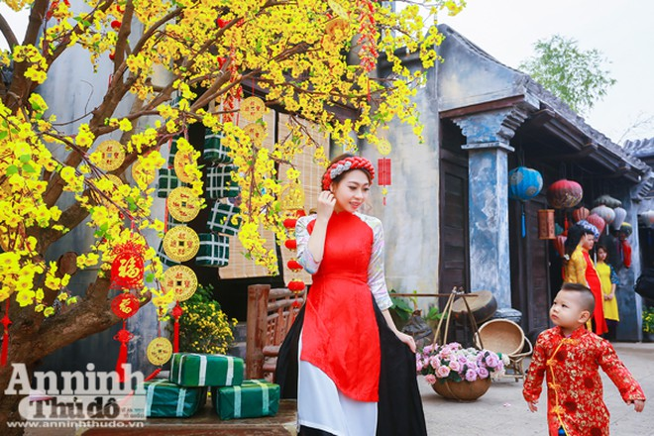 Một khung cảnh mang đậm nét Hội An đang xuất hiện trong không khí Tết ở thủ đô Hà Nội.