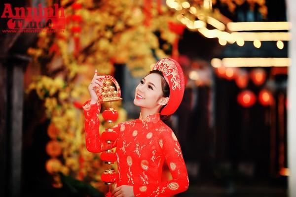Với gương mặt khá giống với ca sĩ, diễn viên Minh Hằng đã khiến nhiều người nhầm lẫn khi nhìn thấy cô.