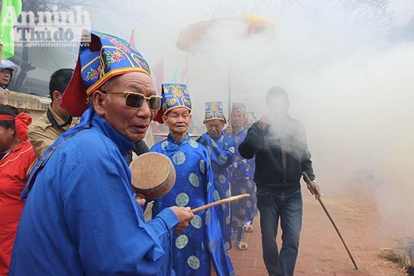 Độc đáo lễ hội nấu cơm thi ở làng Thị Cấm