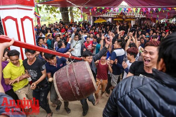 Ngày 9-2 (13 tháng giêng âm lịch), Lễ hội Hiền Quan, huyện Tam Nông, tỉnh Phú Thọ lại diễn ra như thường lệ.