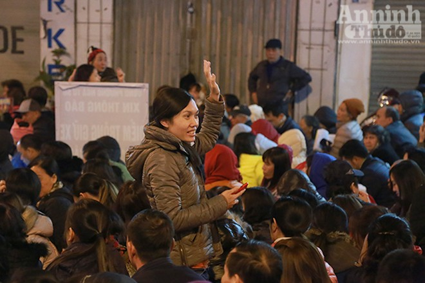 Hàng nghìn người tràn kín đường dự lễ cầu an chùa Phúc Khánh