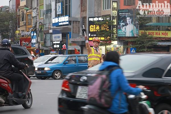 Đặc biệt trong những ngày qua, lượng người đi lễ ở chùa Phúc Khánh khá đông nên tình hình giao thông cũng như ANTT rất lộn xộn. CAQ Đống Đa đã đề xuất tăng cường 50 cán bộ chiến sĩ của Phòng CSTT, CSCĐ và 100% cán bộ chiến sĩ của đội CSGT số 3 phối hợp.