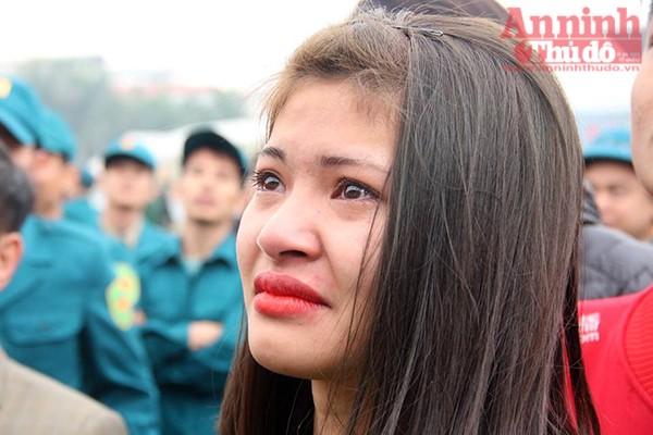 ...những giọt nước mắt khi phải chia tay người yêu vào đúng ngày Lễ tình nhân Valentine 14-2