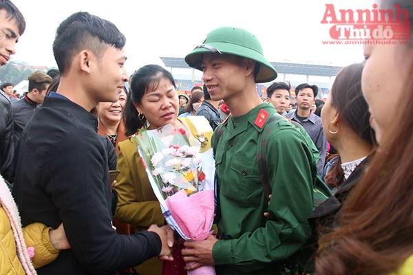 Những hình ảnh xúc động tại lễ giao nhận quân 2017 ảnh 30