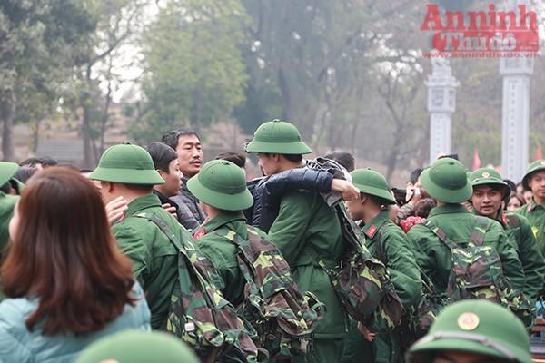 Những hình ảnh xúc động tại lễ giao nhận quân 2017 ảnh 22