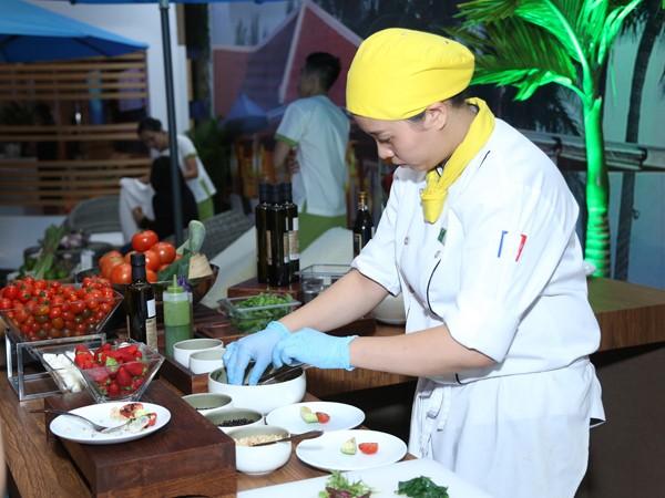 Khách mời trải nghiệm ẩm thực từ nguyên liệu hữu c
