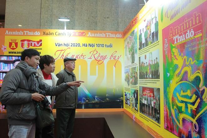 Phó Bí thư Thường trực Thành ủy Hà Nội Ngô Thị Thanh Hằng đánh giá cao ấn phẩm báo Xuân An ninh Thủ đô ảnh 3