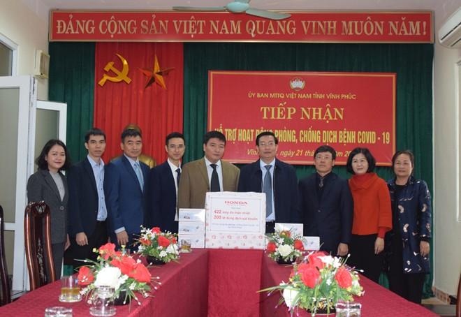 Honda Việt Nam ủng hộ thiết bị y tế cho người dân tỉnh Vĩnh Phúc