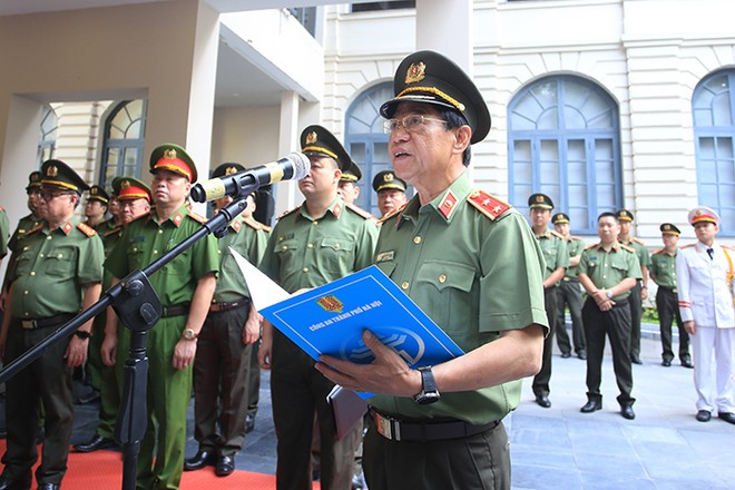 Trung tướng Đoàn Duy Khương xúc động phát biểu tại buổi lễ