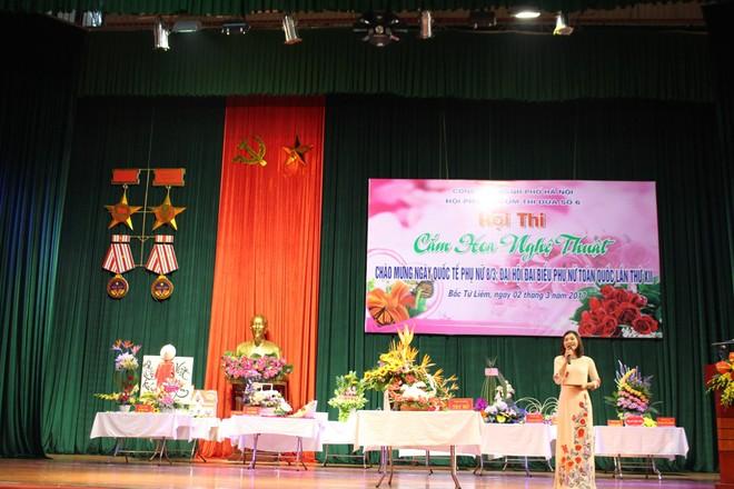 Những lẵng hoa đẹp, giàu ý nghĩa của Hội phụ nữ Công an Hà Nội