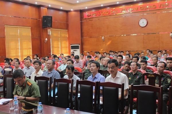 Lớp tập huấn có sự tham gia của gần 200 học viên là lực lưởng bảo vệ của các cơ quan, doanh nghiệp, trường học trên địa bàn quận Thanh Xuân