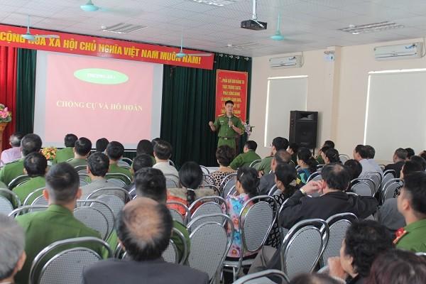 Hội nghị tuyên truyền về PCCC và phòng chống tội phạm tại UBND phường Bạch Đằng