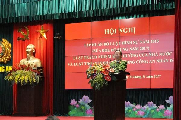 Thượng tướng Lê Qúy Vương- Thứ trưởng Bộ Công an phát biểu tại hội nghị