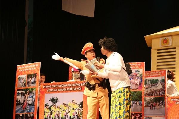 Tác phẩm kịch đến từ đội thi Phòng Cảnh sát giao thông đường bộ, đường sắt Hà Nội