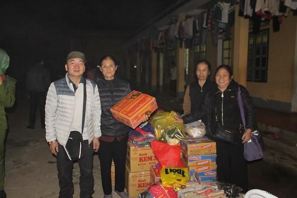Ông Nguyễn Văn Chuyên, cùng các nhà hảo tâm ở xóm 5, xã Ninh Hiệp