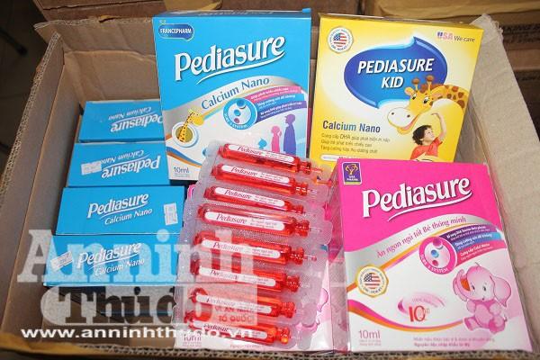 Các sản phẩm Pediasure của Công ty cổ phần dược phẩm liên doanh Việt Pháp bị lực lượng chức năng thu giữ vì có dấu hiệu xâm phạm quyền nhãn hiệu của thương hiệu Abbott