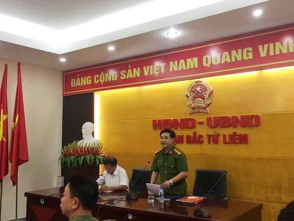 Thượng tá Lê Đức Hùng, Trưởng CAQ Bắc Từ Liêm phát biểu tại buổi gặp mặt