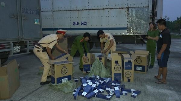 Lực lượng CAH Hoa Lư thu giữ số lượng lớn thuốc lá 555 không có hóa đơn