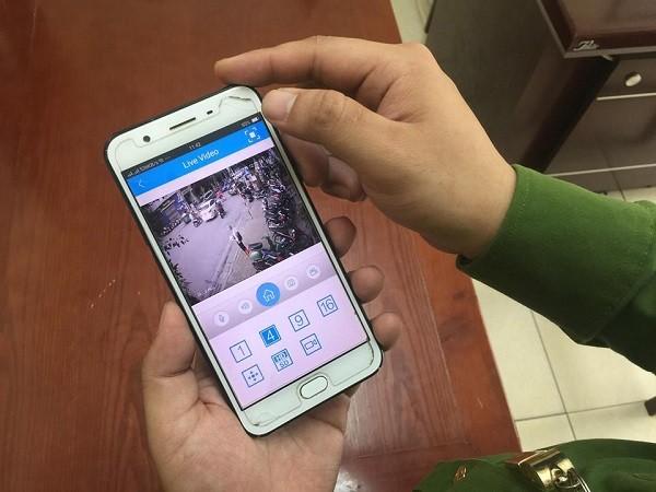 CBCS - CAP Ngô Thì Nhậm nắm tình hình địa bàn qua hình ảnh camera