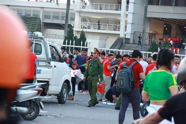 Công an Hà Nội chốt chặt đảm bảo ANTT trước khi diễn ra trận bóng đá Việt Nam gặp Philippines
