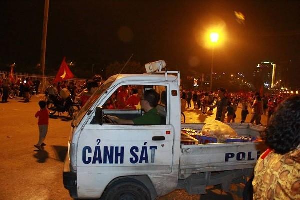 Lực lượng Công an tuần tra kiểm soát an ninh trật tự tại các con đường