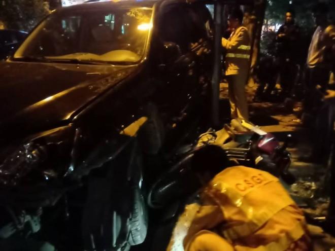 Hiện trường vụ tai nạn giao thông ở phố Trích Sài