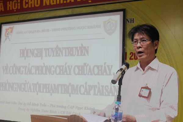 Ông Nguyễn Hoa Trung, Phó Chủ tịch UBND phường Ngọc Khánh phát biểu tại buổi tuyên truyền