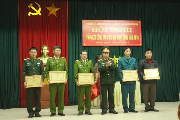 5 tập thể trong Cụm liên kết an ninh khu vực Ba La, Hà Đông nhận khen thưởng của Bộ Tư lệnh Thủ đô Hà Nội