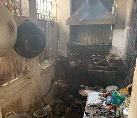 Hiện trường bên trong quán cà phê bị cháy