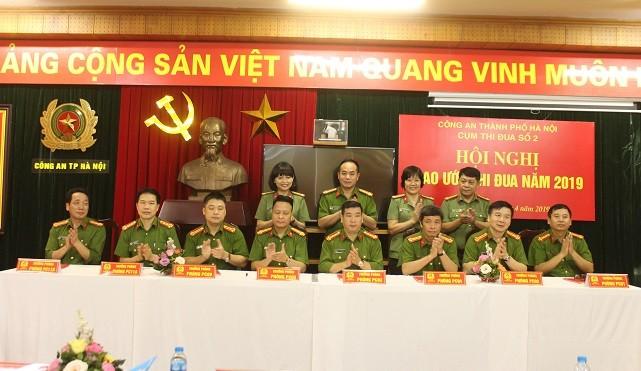 8 đơn vị trong Cụm thi đua số 2 - CATP Hà Nội ký giao ước thi đua