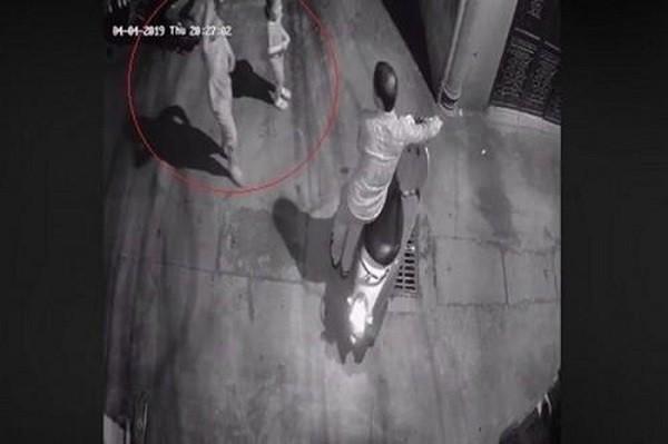 Hình ảnh vụ việc được camera ghi lại