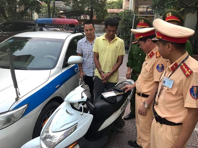 Đối tượng cướp xe máy bị bắt giữ