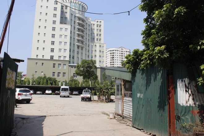 Bãi trông giữ phương tiện tại đường Trần Duy Hưng