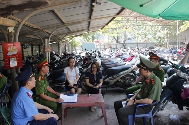 Tổ công tác số 1 Ban chỉ đạo 197 thành phố Hà Nội kiểm tra các bãi xe trên địa bàn quận Cầu Giấy