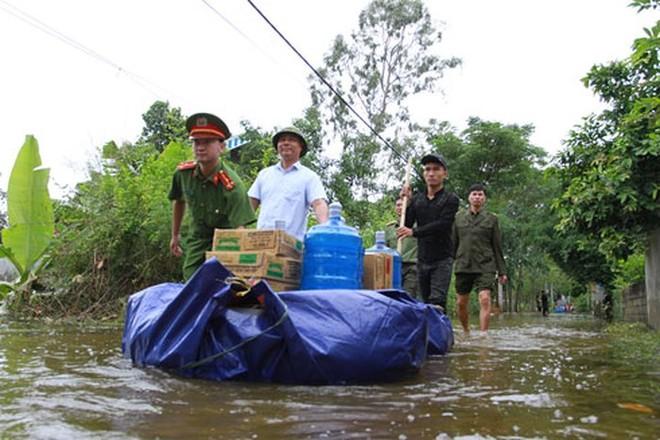 CATP Hà Nội cứu trợ người dân huyện Chương Mỹ