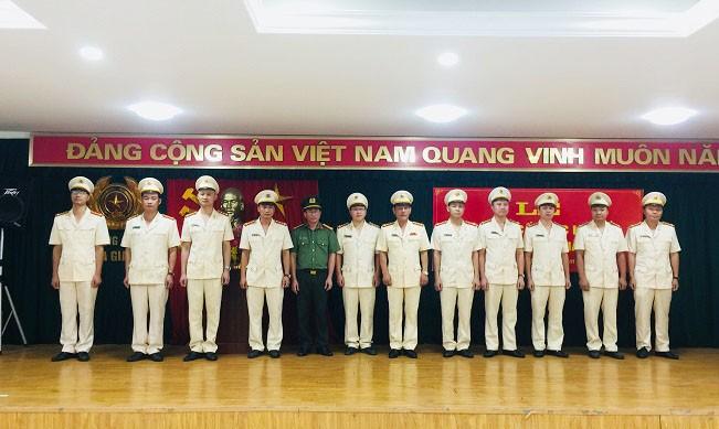 143 CBCS CAH Gia Lâm được thăng cấp bậc hàm, nâng lương năm 2019