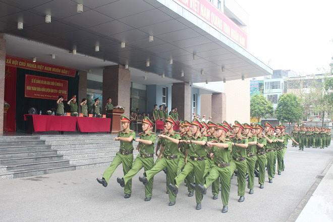 Hơn 200 chiến sĩ nghĩa vụ hoàn thành khóa huấn luyện