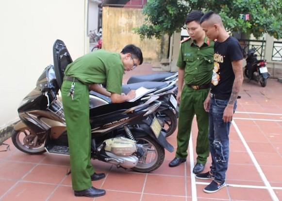 Lực lượng Công an xử lý đối tượng cùng tang vật của vụ án