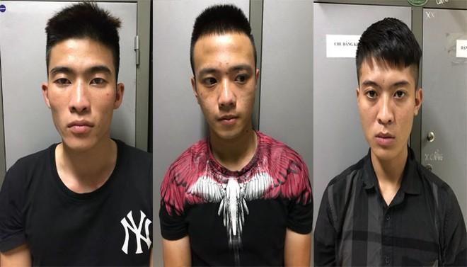 Các đối tượng trong ổ nhóm trộm gương, logo xe ô tô bị bắt giữ